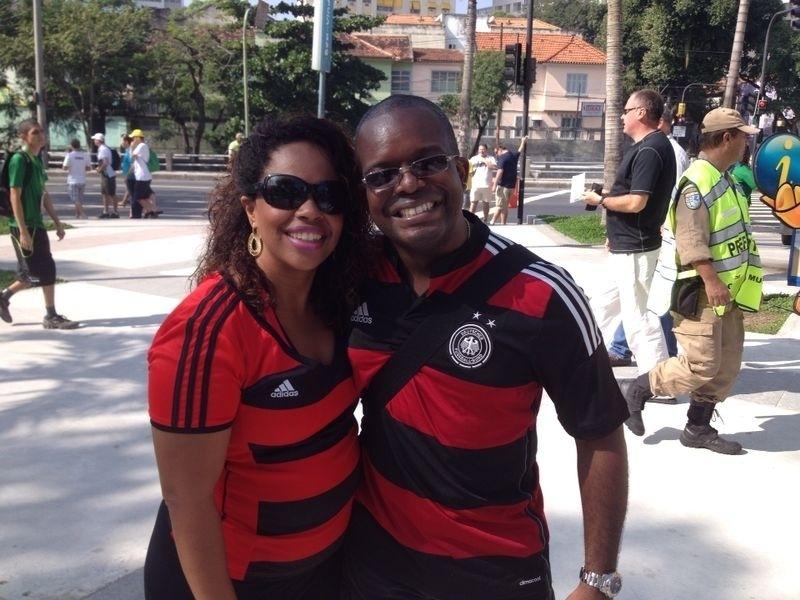 Casal chega ao Maracanã para torcer pela Alemanha nas quartas de final contra a França