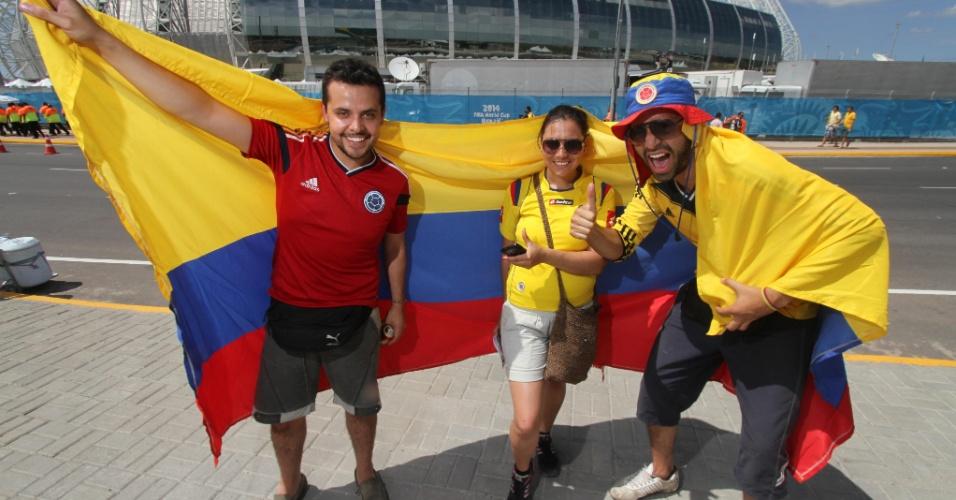 Colombianos chegam ao Castelão, para acompanhar a partida de quartas de final da Copa, contra o Brasil