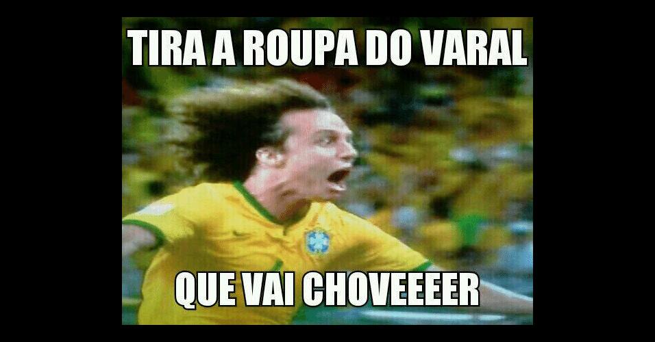 Daviz Luiz foi alvo de memes na comemoração do gol