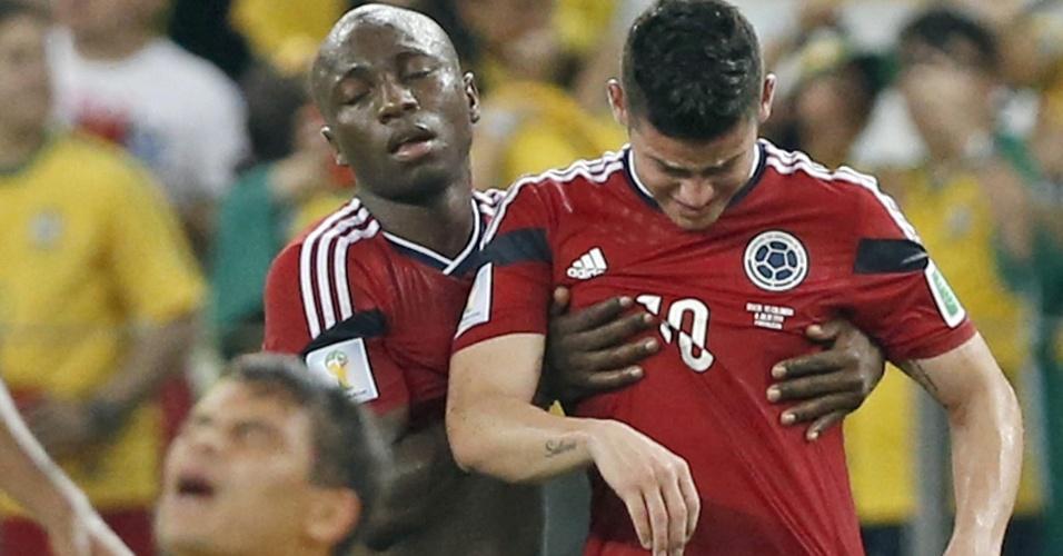 Enquanto Thiago Silva respira aliviado por classificação, James Rodriguez chora e é consolado por Armero após o apito final