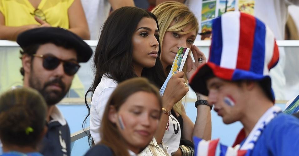 Esposa do zagueiro francês Sakho foi até o Maracanã para acompanhar a partida contra a Alemanha