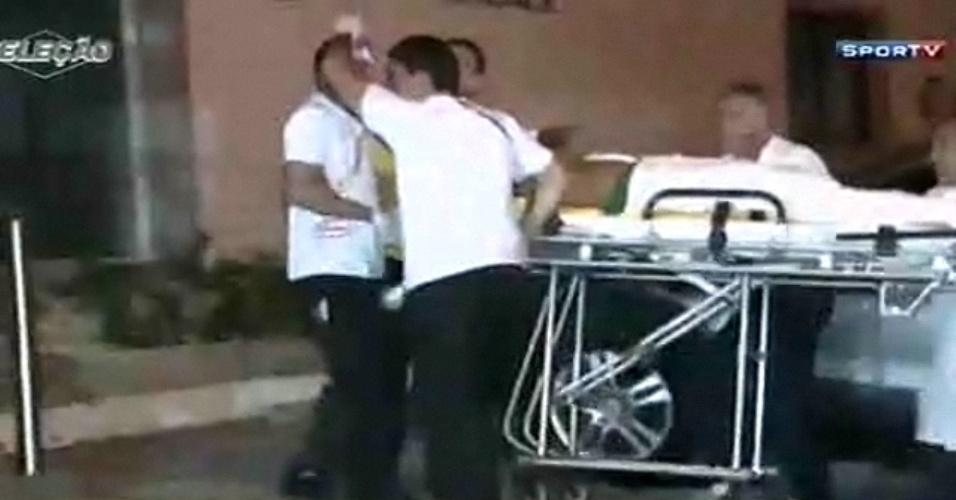Neymar chega ao hospital