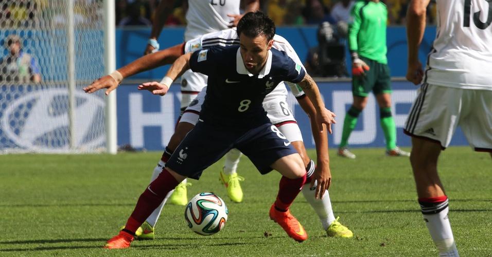 Valbuena sofre com a marcação pesada dos alemães