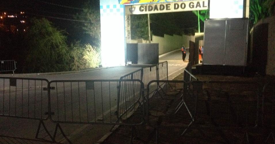 5.jul.2014 - Cidade do Galo aparece vazia antes de retorno da seleção argentina ao centro de treinamento