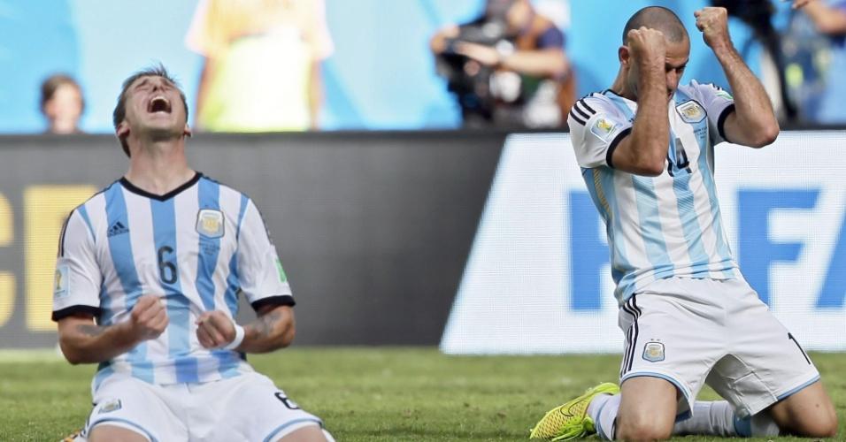 Biglia e Mascherano vibram muito após a Argentina garantir uma vaga na semifinal da Copa do Mundo