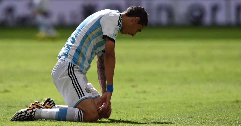 Di Maria lamenta após perder boa chance de gol para a Argentina contra a Bélgica