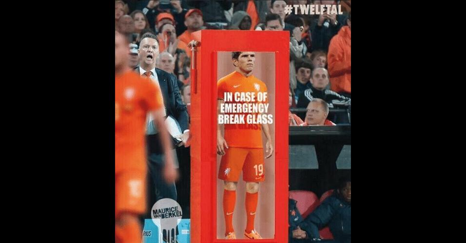 """""""Em caso de emergências, quebre o vidro"""". Van Gaal tinha uma arma secreta para o jogo"""