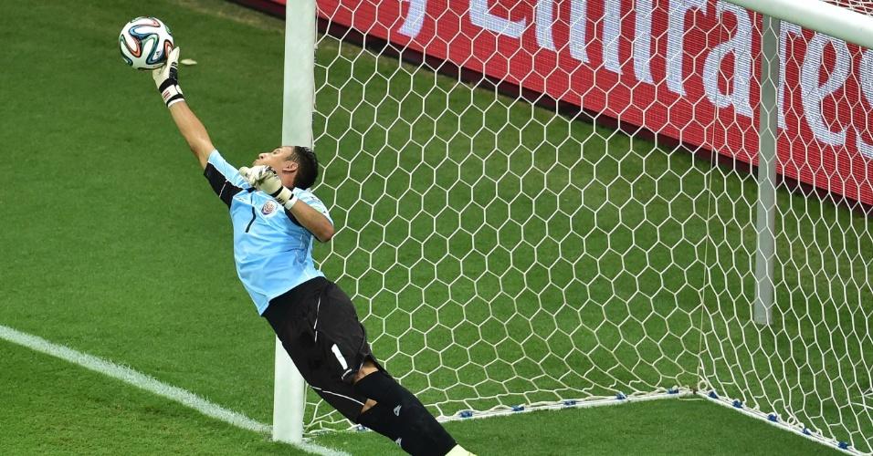 Goleiro Navas fez grande defesa em falta cobrada por Sneijder e evitou gol da Holanda