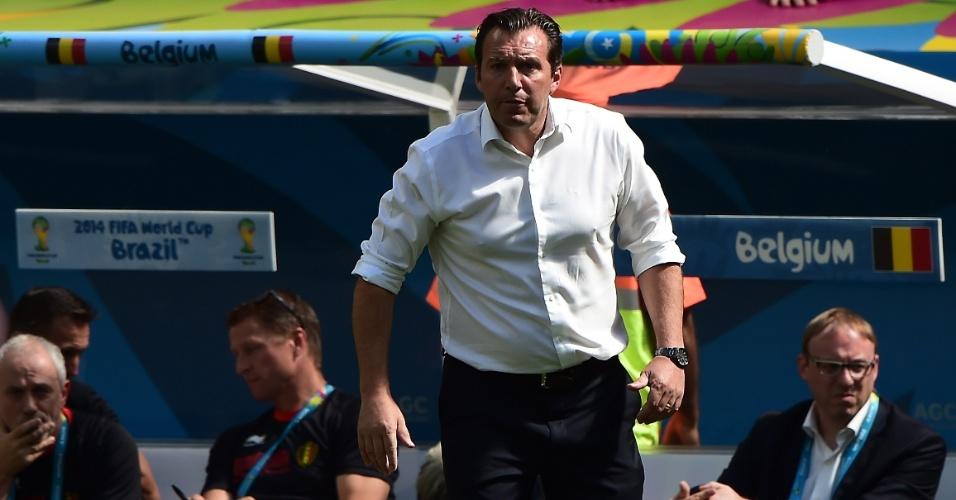 Marc Wilmots, técnico da Bélgica, mostra irritação com sua equipe em duelo contra a Argentina, em Brasília