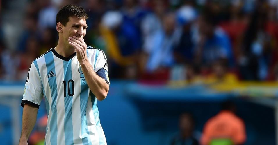 Messi lamenta chance de gol perdida pela Argentina contra a Bélgica