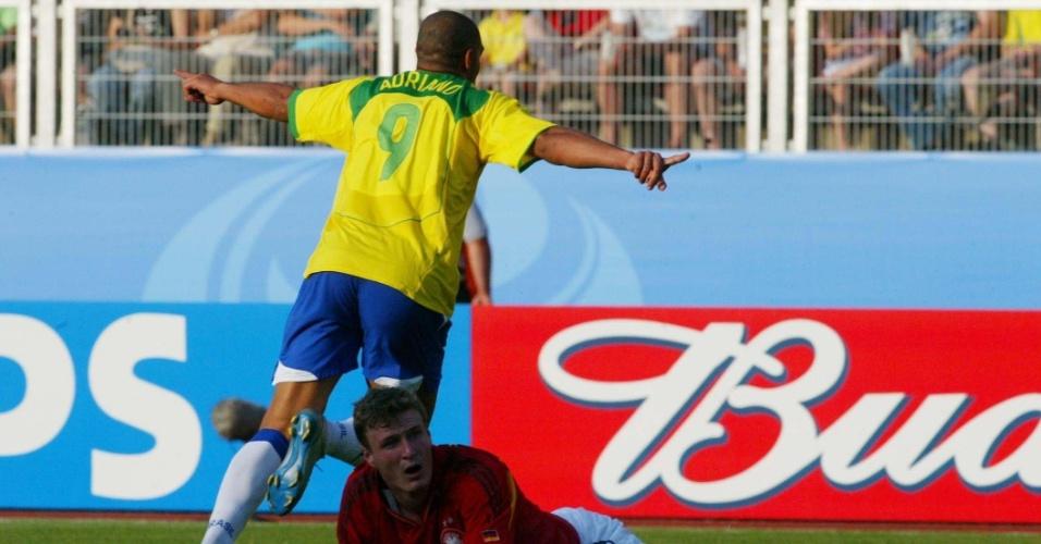 Na Copa das Confederações de 2005, Adriano foi uma das estrelas que mais brilhou em Brasil 3 x 2 Alemanha