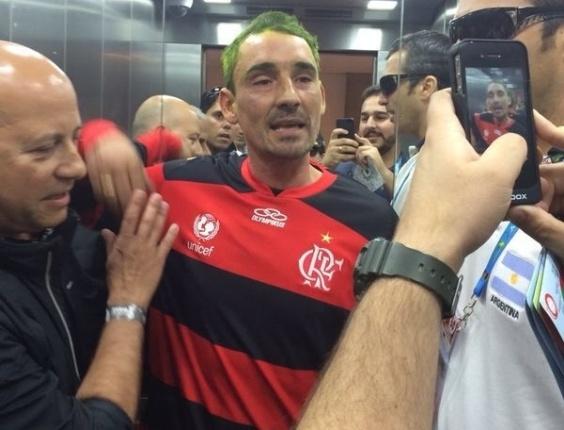 Polícia Federal prendeu torcedor argentino que estava em lista de torcedores perigosos enviados pela Argentina. Para não ser reconhecido, Pablo Alvarez usou a camisa do Flamengo