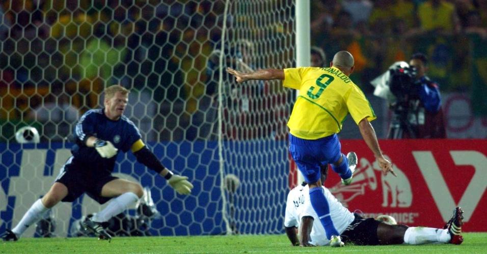 Ronaldo Fenômeno fez os dois gols do Brasil na final da Copa do Mundo de 2002, quando o Brasil conquistou o pentacampeonato mundial
