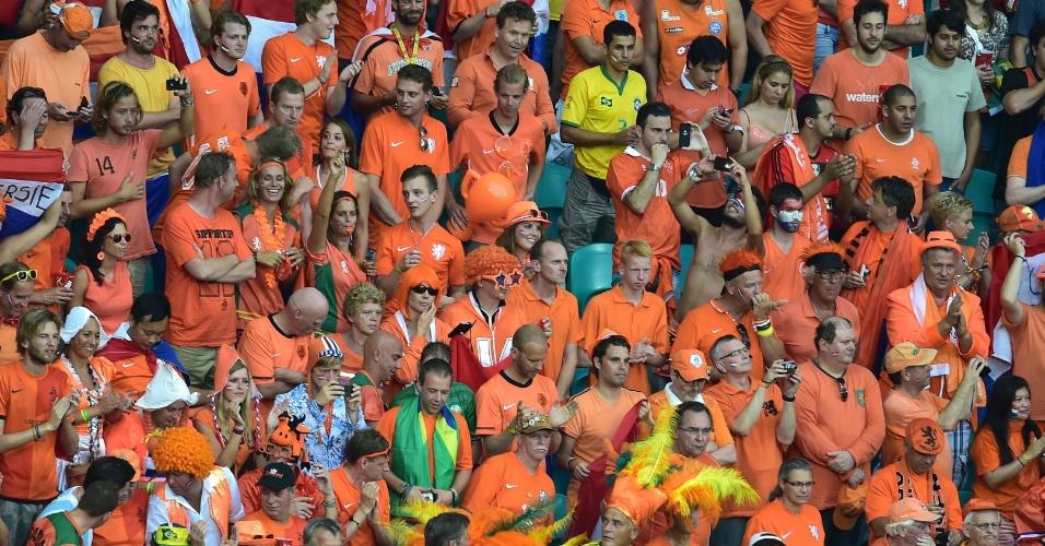 Torcedores da Holanda marcam boa presença na Fonte Nova para a partida contra a Costa Rica