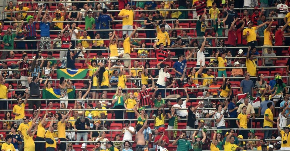 Torcedores do Brasil foram em bom número ao Mané Garrincha para ver Argentina e Bélgica