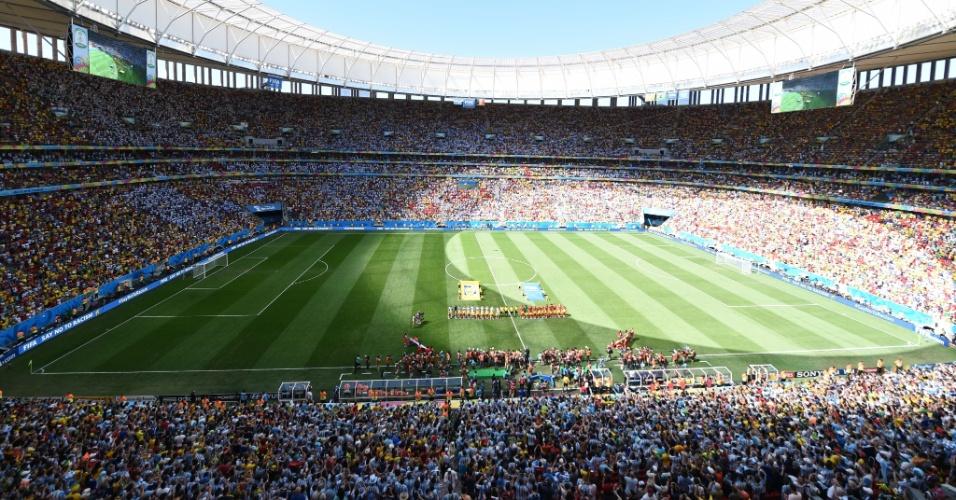 Torcedores marcam boa presença no Mané Garrincha para ver Argentina e Bélgica