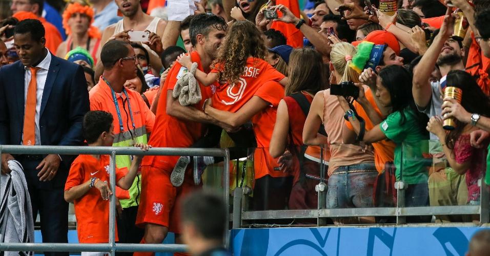 Van Persie foi para a torcida após a Holanda bater a Costa Rica nos pênaltis