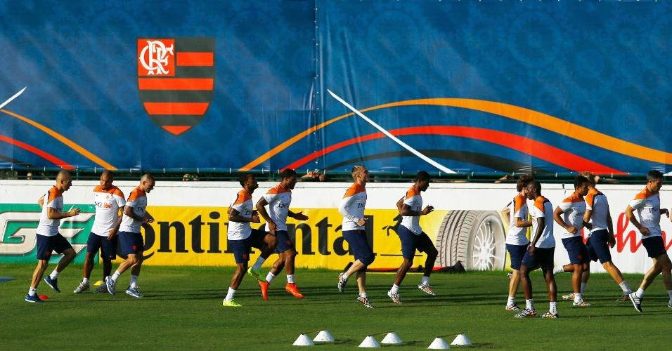 06.jul.2014 - Holandeses treinam na Gávea, depois de garantir a classificação para a semifinal da Copa do Mundo