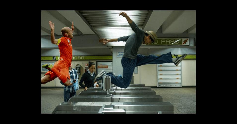 A pose do holandês continua inspirando os internautas
