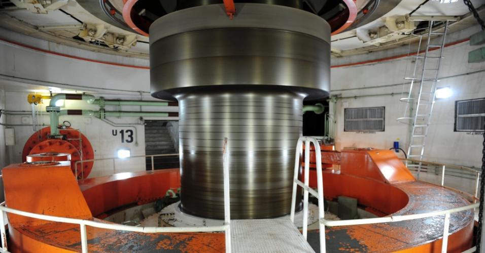 Turbinas de Itaipu transformam a força das águas do rio Paraná em energia para milhões de brasileiros