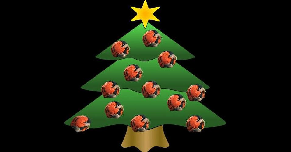 Ele também virou enfeite de árvore de natal