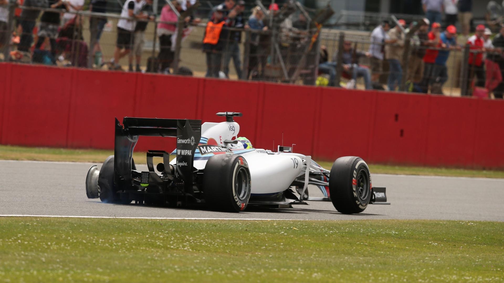 06.jul.2014 - Massa sofreu batida de Räikkönen e abandonou GP da Inglaterra na 1ª volta