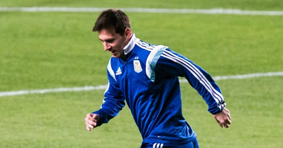 06.jul.2014 - Messi treina na Cidade do Galo, em Belo Horizonte, junto com o elenco da Argentina