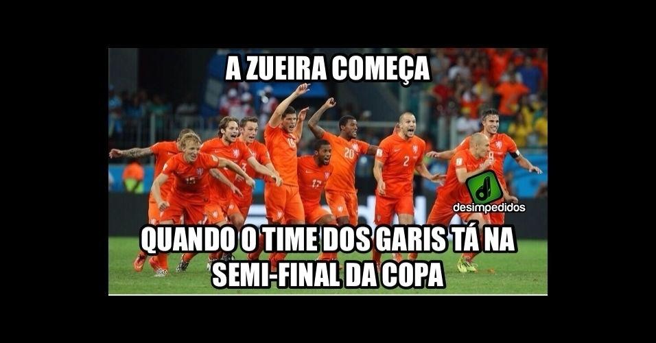 O uniforme laranja rendeu o apelido de 'time dos garis' para a seleção holandesa