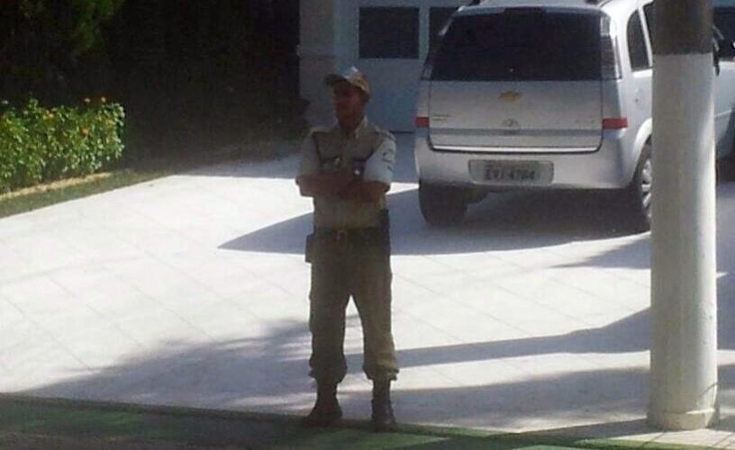 Segurança na casa de Neymar, no Garujá