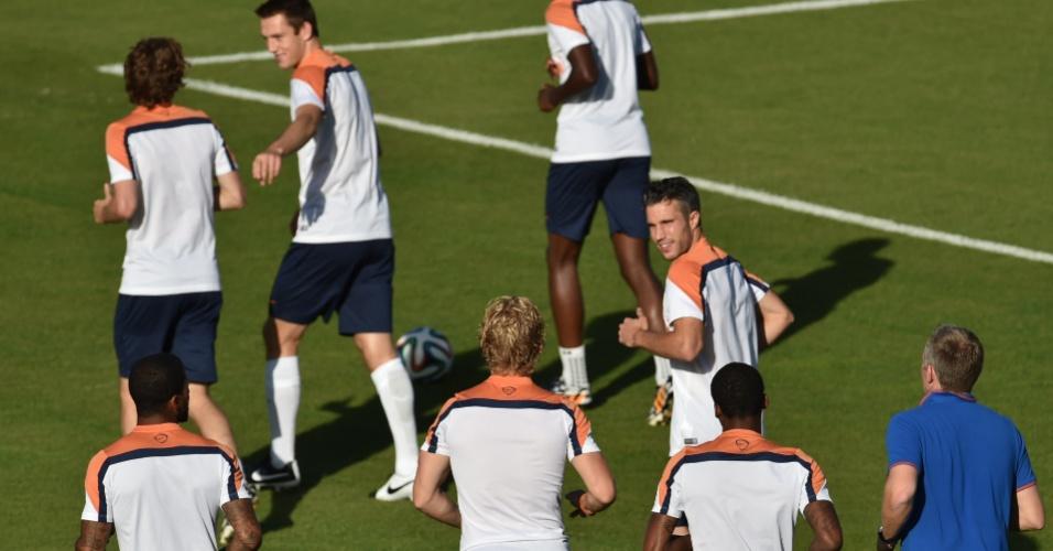 06.jul.2014 - Um dia após a classificação para a semi, elenco da Holanda volta aos treinamentos na Gávea, no Rio de Janeiro