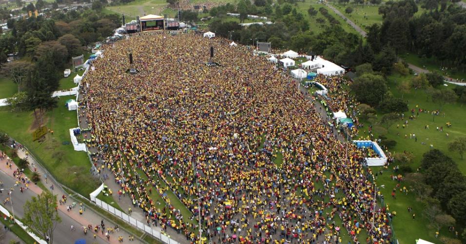 Visão aérea do Parque Simón Bolívar, em Bogotá, onde multidão foi recepcionar os jogadores da Colômbia após a boa campanha na Copa