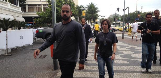 07.jul.2014 - Polícia Civil chega ao Copacabana Palace para prender suspeito de participar de máfia de ingressos da Copa do Mundo