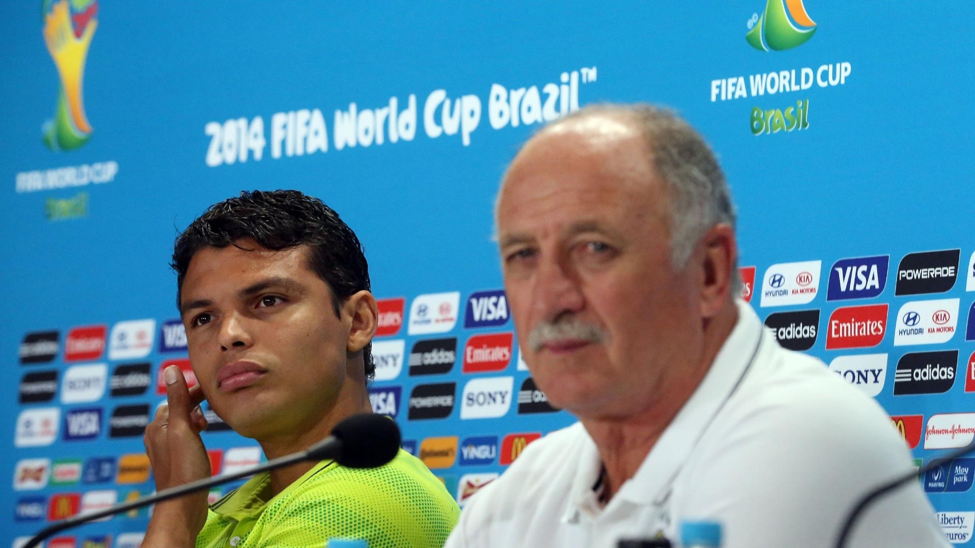 Ao lado do técnico Felipão, zagueiro Thiago Silva participa de entrevista coletiva no Mineirão antes de semifinal contra Alemanha