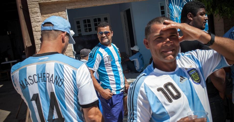 Concentração dos brasileiros que torcem pela Argentina na cidade de Buenos Aires, em Pernambuco