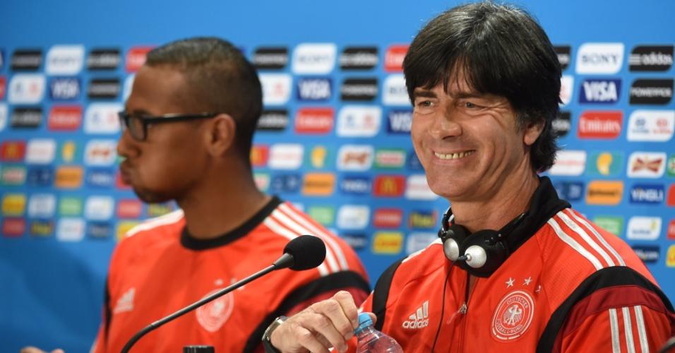 Defensor Jerome Boateng e técnico Joachim Löw concedem entrevista coletiva no Mineirão, palco do jogo de semifinal entre Alemanha e Brasil