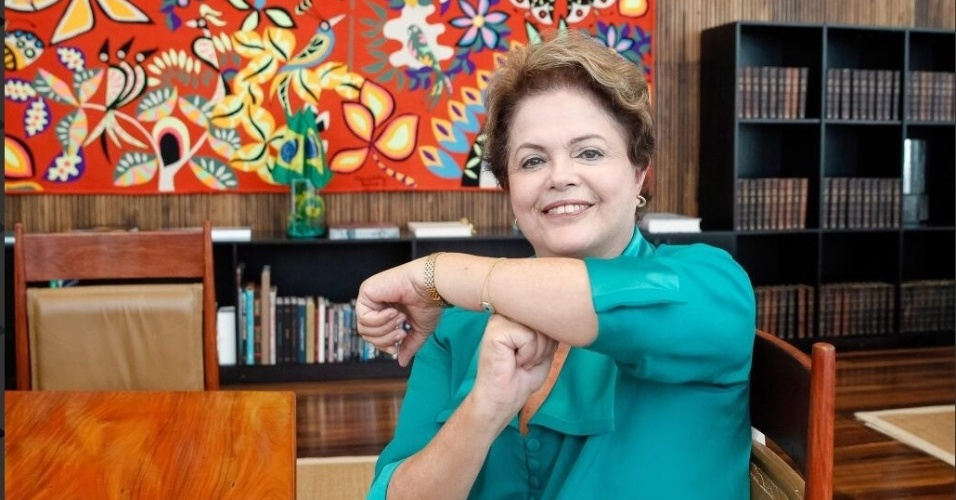 """Dilma manda um """"É Tois"""" para Neymar durante sabatina sobre a Copa no Facebook"""