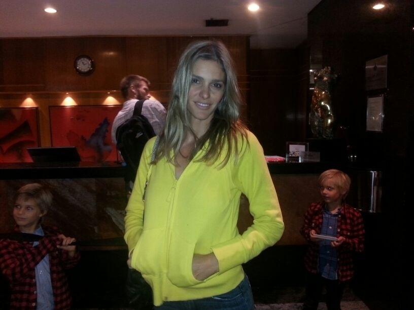 Fernanda Lima está hospedada no mesmo hotel que a seleção brasileira, em Belo Horizonte