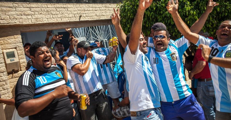 Gol da Argentina contra a Bélgica, logo no começo do jogo pelas quartas de final, foi muito comemorado pelos torcedores na Buenos Aires brasileira