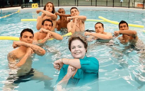 """Jogadores da seleção prestam homenagem a Neymar fazendo o gesto do """"Tois"""", e Dilma não fica de fora"""