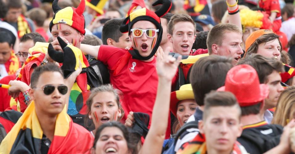 07.jul.2014 - Torcida belga recepciona sua seleção no retorno a Bruxelas
