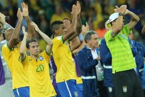 Maior Vexame Da Historia Do Futebol Brasileiro Coloca Alemanha Na Decisao Noticias Uol Copa Do Mundo 2014