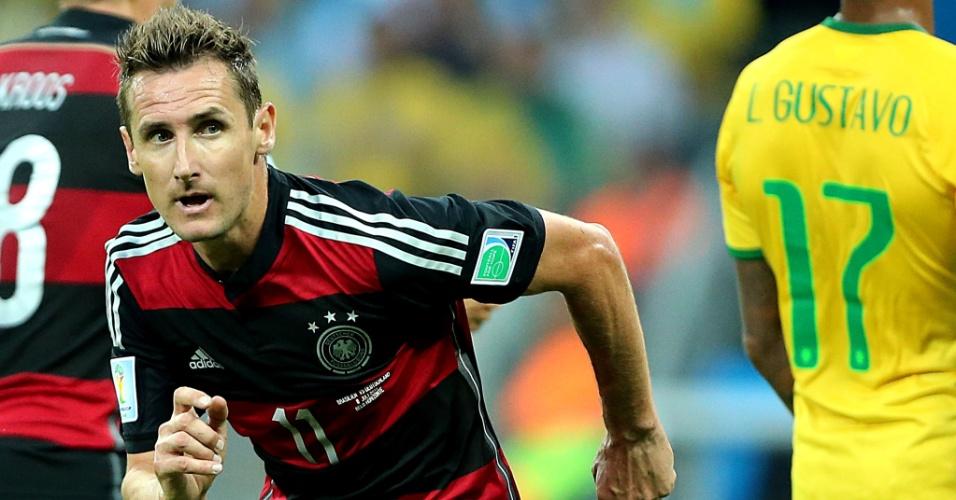 08. jul. 2014 - Alemão Klose comemora gol marcado contra o Brasil. Além da classificação para a final, o atacante se tornou o maior artilheiro da história das Copas, com 16 gols