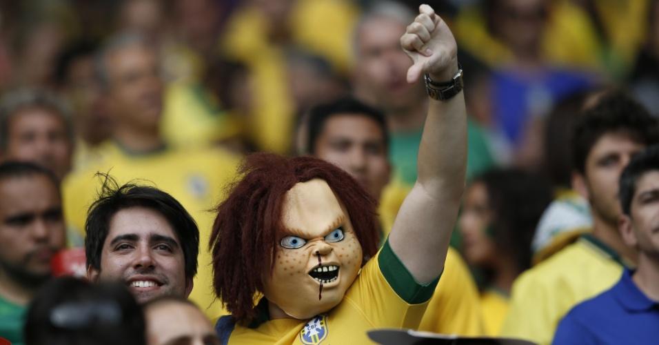 Até Chucky, o boneco assassino, foi ao estádio do Mineirão para torcer para o Brasil em partida contra a Alemanha