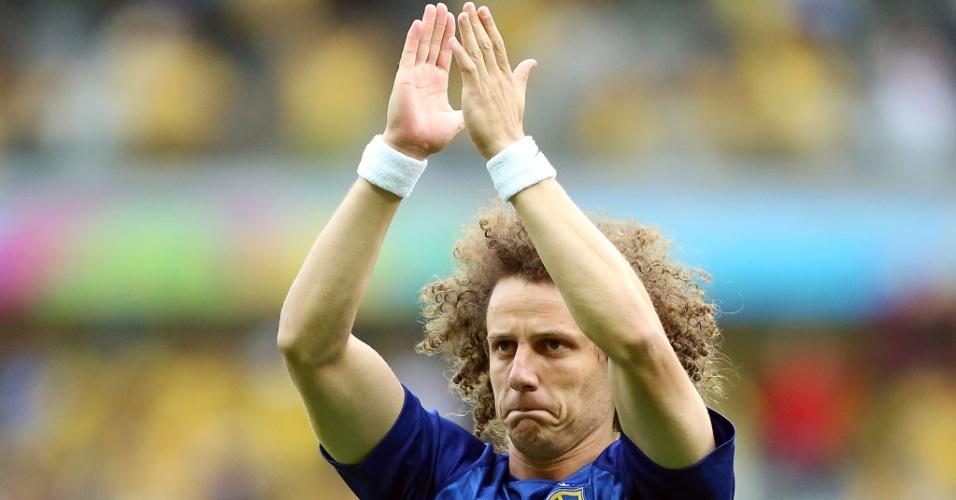 08. jul. 2014 - David Luiz, um dos destaques da seleção, sobe ao gramado do Mineirão para se aquecer antes do jogo contra a Alemanha