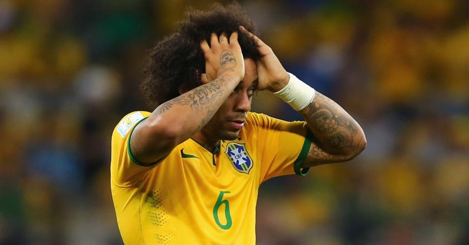 08. jul. 2014 - Lateral Marcelo mostra desespero após a Alemanha marcar contra o Brasil no Mineirão