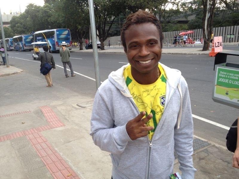 Pentacampeão Edilson torce pela seleção brasileira contra a Alemanha, pela semifinal da Copa