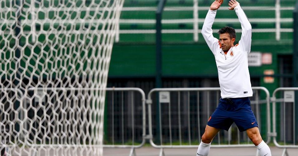 Van Persie treina com a seleção da Holanda um dia antes da semifinal contra a Argentina, no Itaquerão