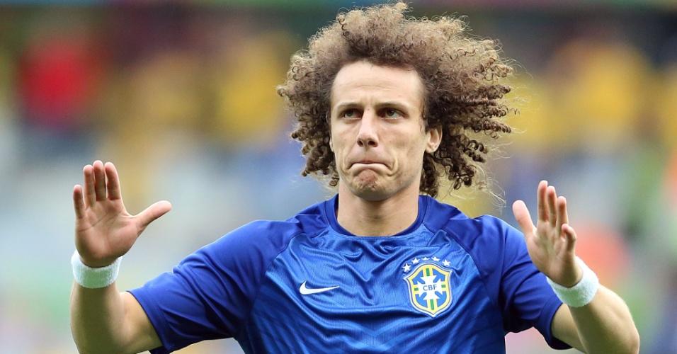 08. jul. 2014 - Zagueiro David Luiz inicia aquecimento antes do jogo entre Brasil e Alemanha, no Mineirão