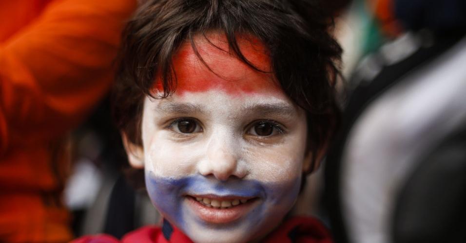 Pequeno torcedor da Holanda segue para o Itaquerão, palco de Holanda x Argentina, pela semifinal da Copa