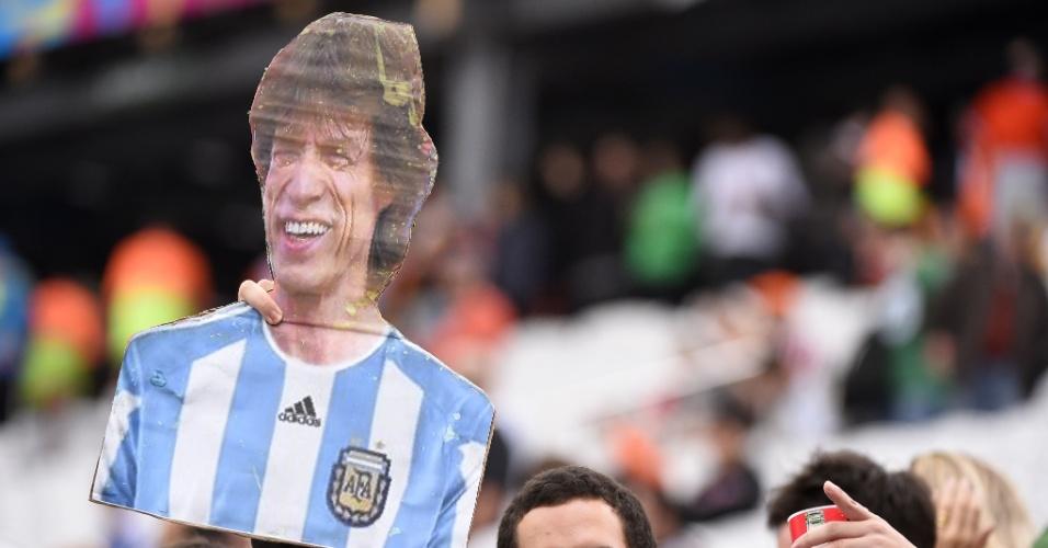 """Torcedores brasileiros apostam em Mick Jagger argentino para secar os """"hermanos"""" contra a Holanda"""